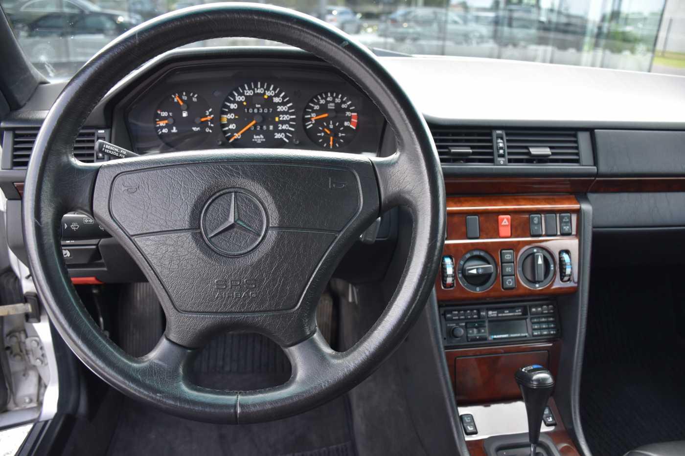 Mercedes CE 300 24 Cabrio Sportline*Airco 15/20