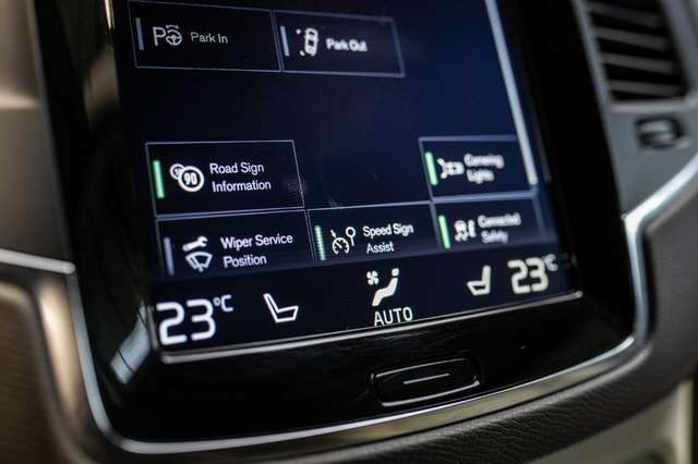 Volvo XC90 2.0 D5 4WD* Geartronic*Full Leder*DAB Radio*Automa 10/30