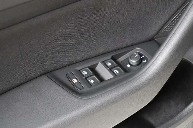 Volkswagen Passat Estate Mark 1 1.4 TSI Trendline *Navigatie -LED -Bluetooth - PDC 11/21
