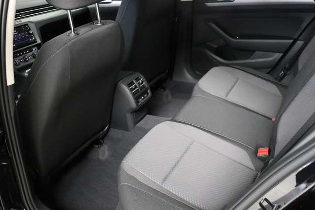 Volkswagen Passat Estate Mark 1 1.4 TSI Trendline *Navigatie -LED -Bluetooth - PDC 12/21