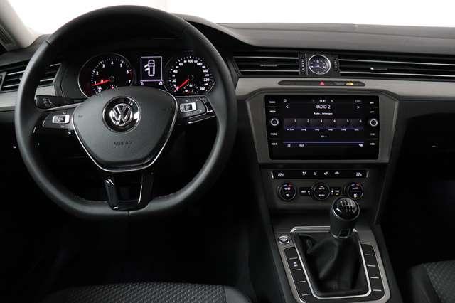 Volkswagen Passat Estate Mark 1 1.4 TSI Trendline *Navigatie -LED -Bluetooth - PDC 13/21