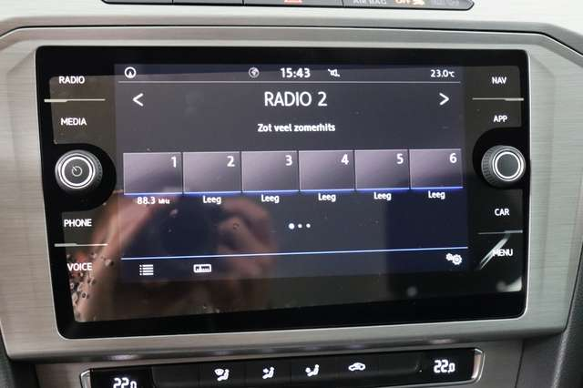 Volkswagen Passat Estate Mark 1 1.4 TSI Trendline *Navigatie -LED -Bluetooth - PDC 17/21