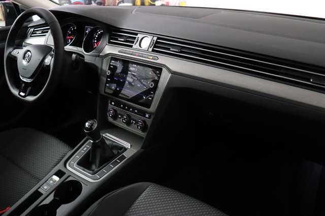 Volkswagen Passat Estate Mark 1 1.4 TSI Trendline *Navigatie -LED -Bluetooth - PDC 20/21