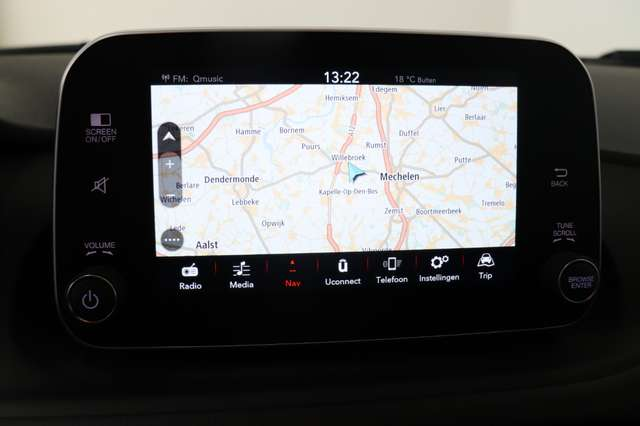 Fiat Tipo SW 1.4i Easy ** Navi - Carplay - PDC - Zetelwarm 18/22