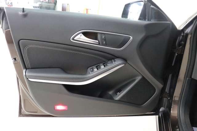 Mercedes CLA 200 d Shooting Brake 7G-DCT ** Camera - Navi - Led 10/30