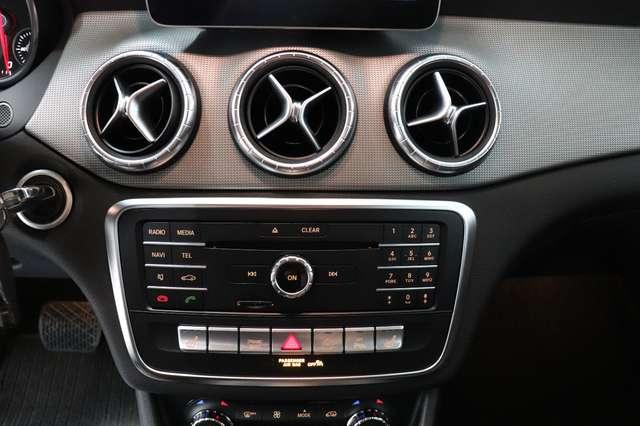 Mercedes CLA 200 d Shooting Brake 7G-DCT ** Camera - Navi - Led 24/30
