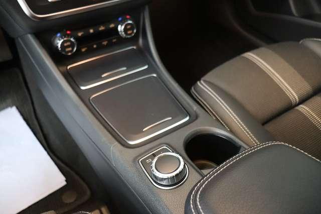 Mercedes CLA 200 d Shooting Brake 7G-DCT ** Camera - Navi - Led 27/30