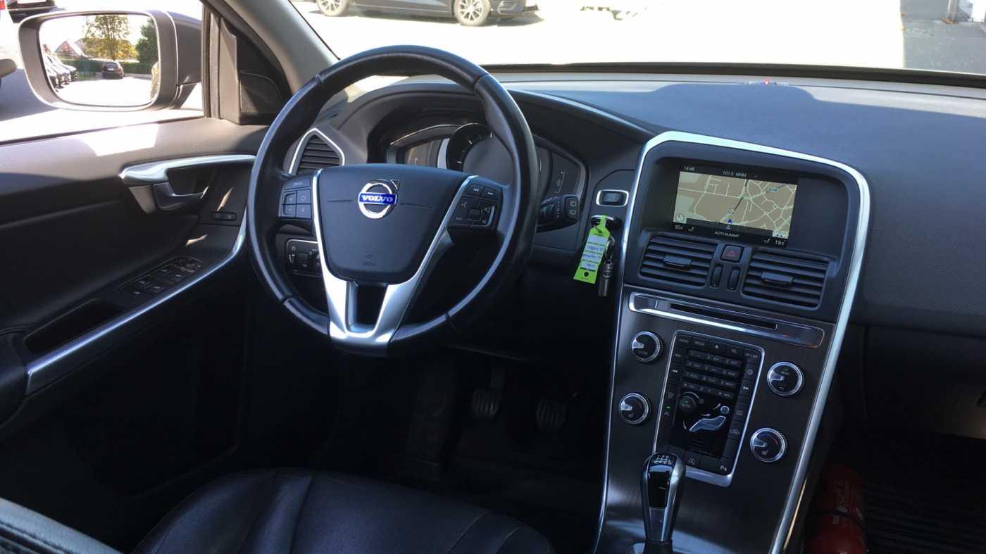 Volvo XC60 D4 181pk MAN Summum, Winterpack, GPS, Reservew, Getinte ramen 7/11
