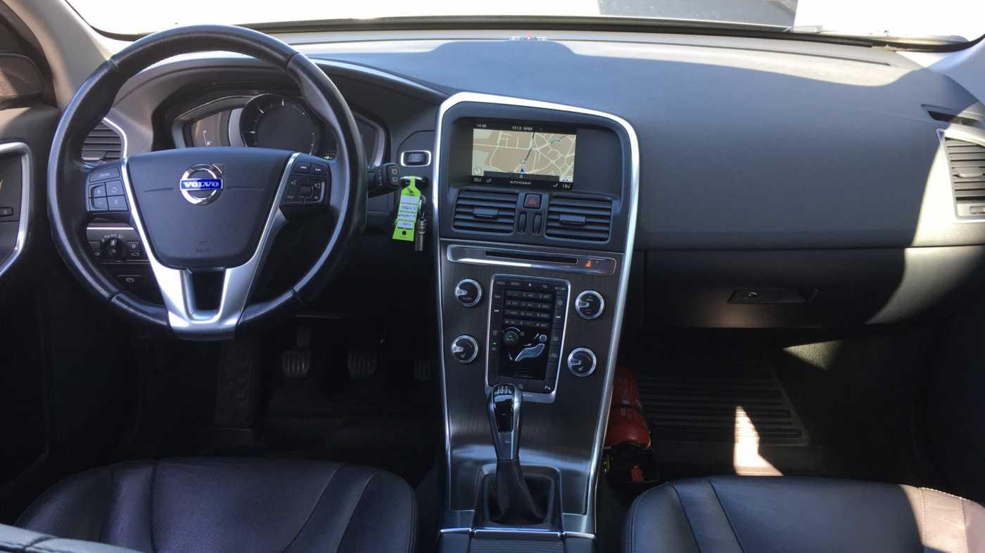 Volvo XC60 D4 181pk MAN Summum, Winterpack, GPS, Reservew, Getinte ramen 8/11