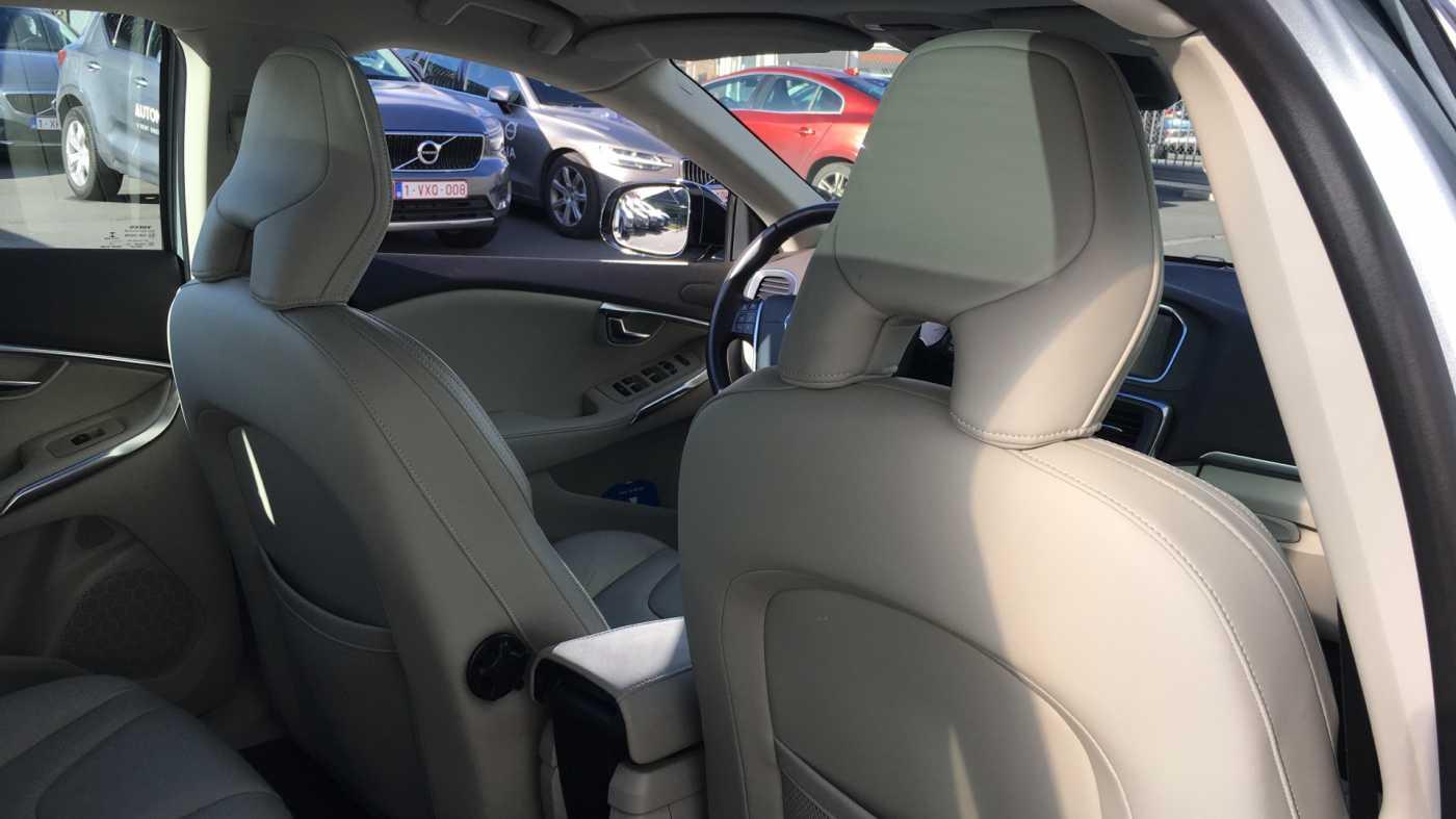 Volvo V40 Cross Country Cross Country T4 180pk AUT Summum, Blond Leder, Trekhaak, Panoramisch dak 6/13