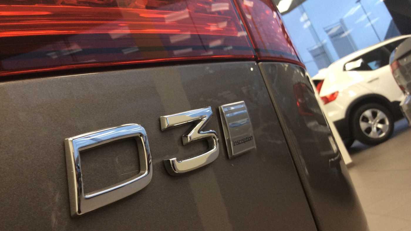 Volvo V60 Inscription D3 Geartronic + Navi + Intellisafe Pro + Xenium + Versatility + .... 13/24