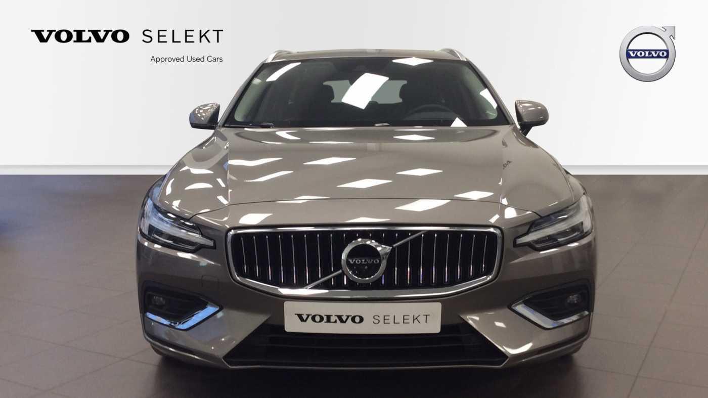 Volvo V60 Inscription D3 Geartronic + Navi + Intellisafe Pro + Xenium + Versatility + .... 3/24
