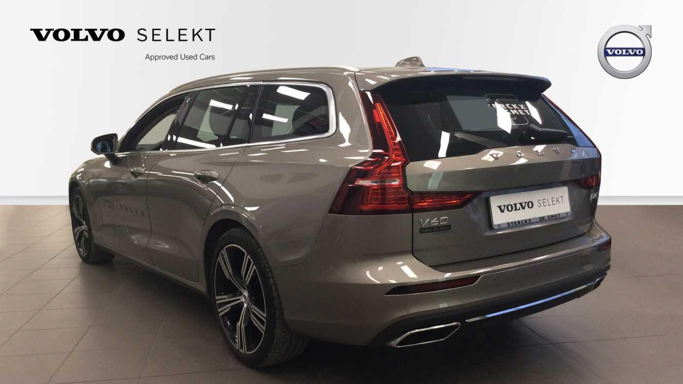 Volvo V60 Inscription D3 Geartronic + Navi + Intellisafe Pro + Xenium + Versatility + .... 4/24