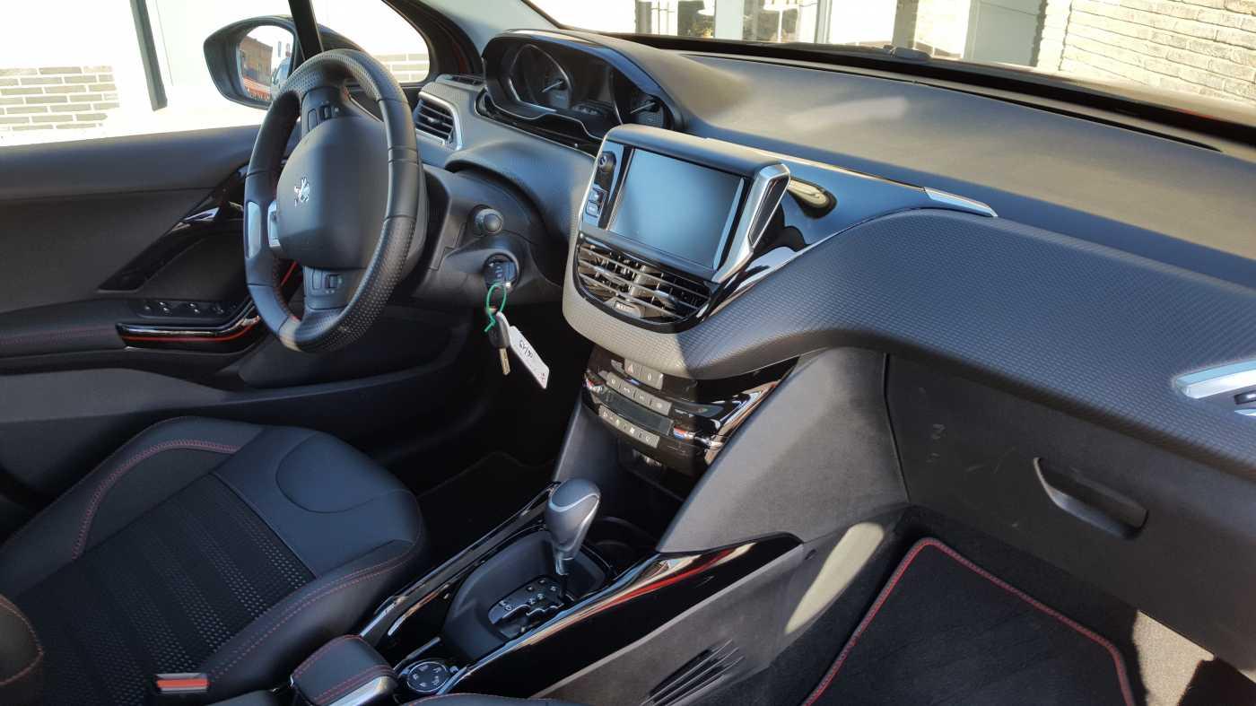 Peugeot 2008 1.2 PureTech GT Line S&S (EU6.2) 2/3