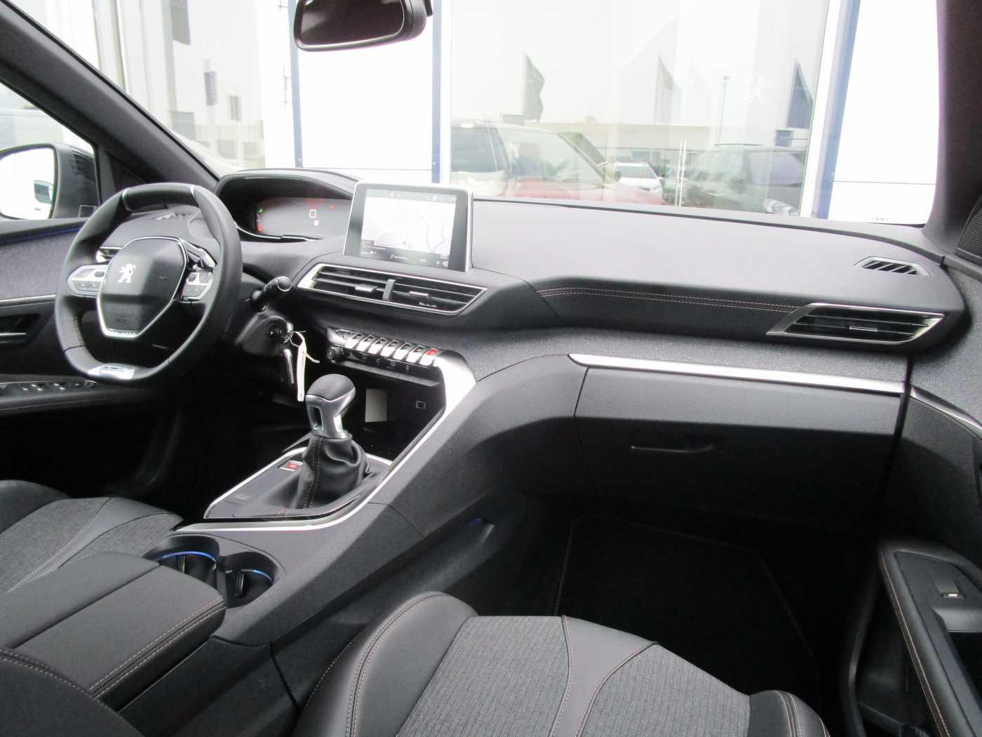 Peugeot 3008 1.2 PureTech GT Line (EU6.2) 2/12