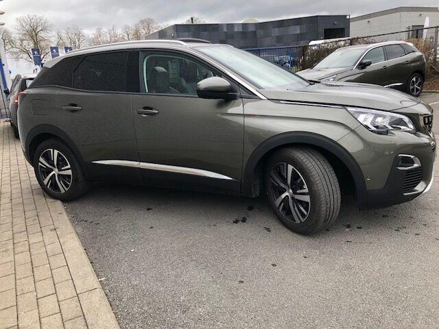 Peugeot 3008 1.2 PureTech Allure (EU6.2) 4/10
