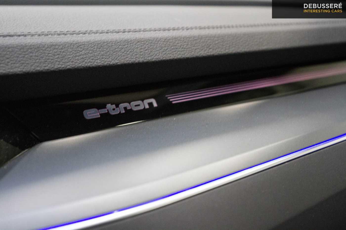 Audi E-Tron 55 Quattro ACC Panodak Bang & Olufsen Privacy 26/30