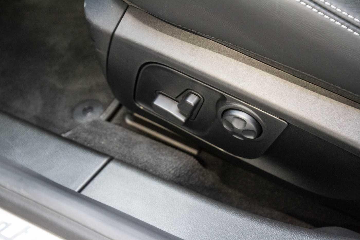 Maserati Ghibli Diesel GranLusso Keyless Sports Exhaust LED Camera 17/29