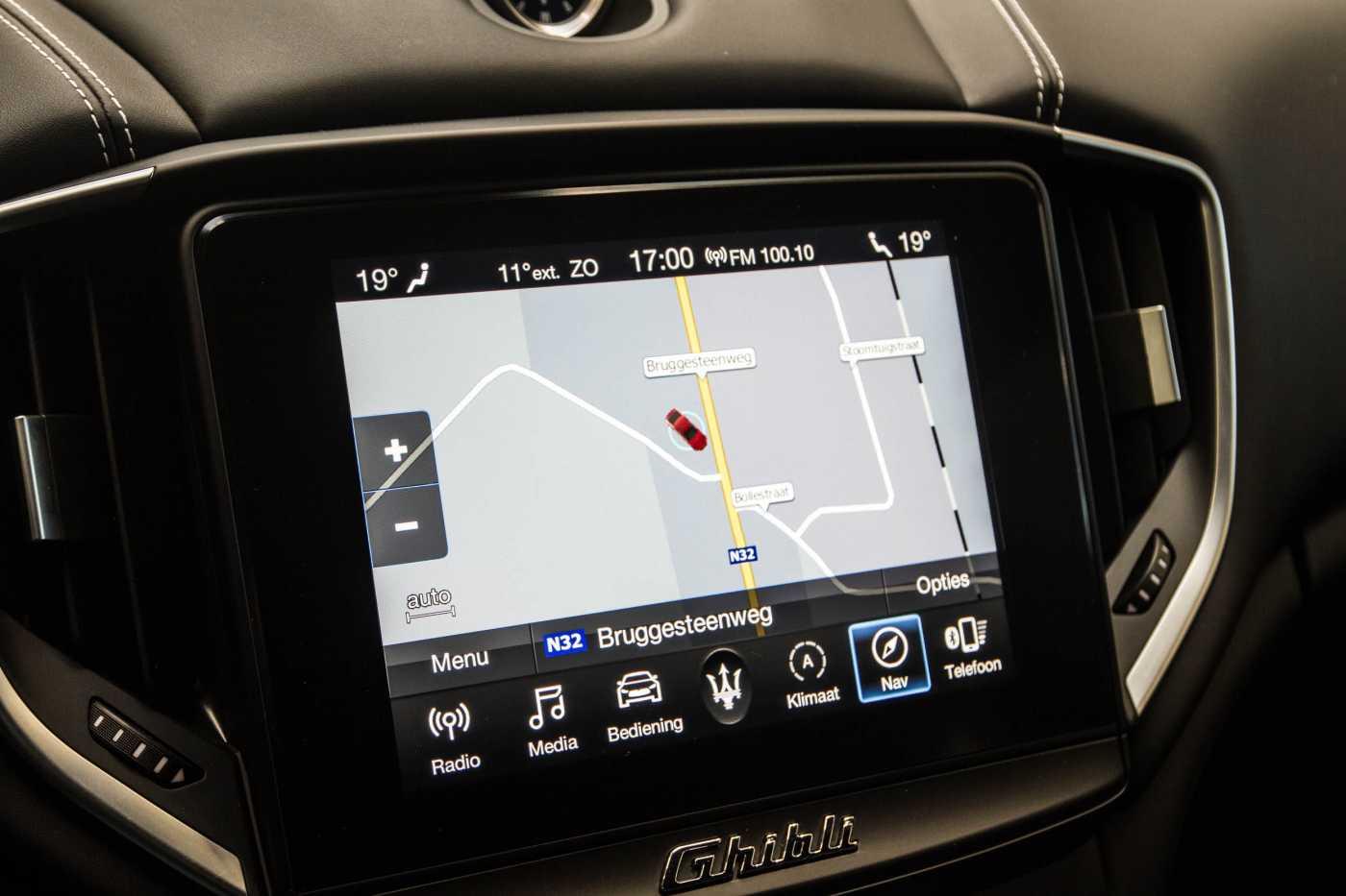 Maserati Ghibli Diesel GranLusso Keyless Sports Exhaust LED Camera 20/29