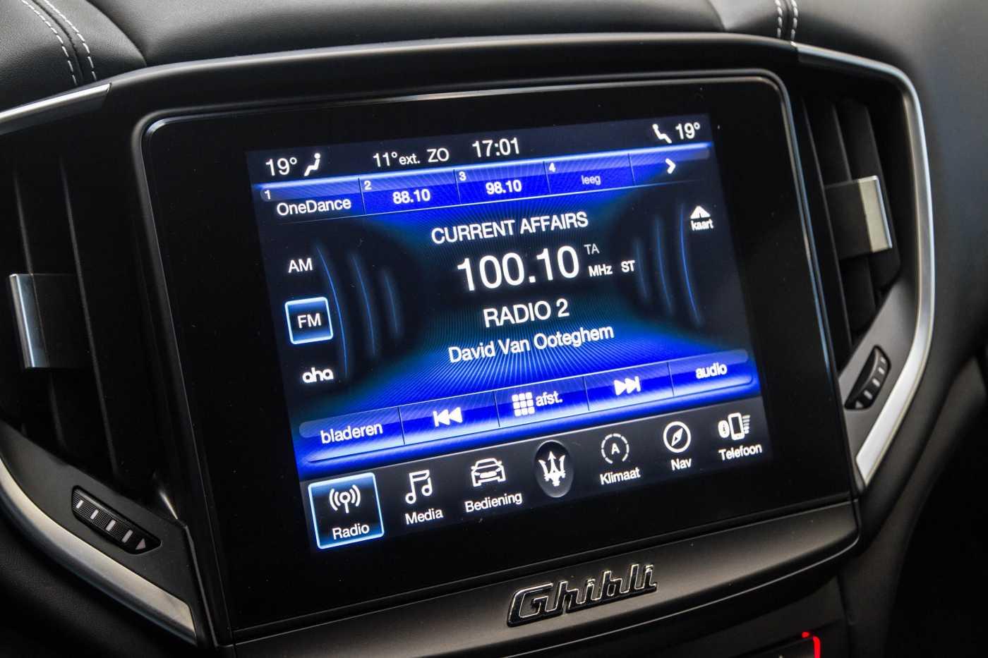 Maserati Ghibli Diesel GranLusso Keyless Sports Exhaust LED Camera 21/29