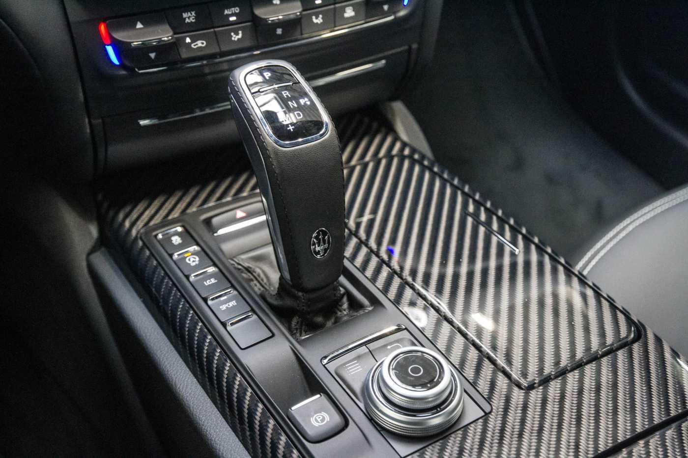Maserati Ghibli Diesel GranLusso Keyless Sports Exhaust LED Camera 22/29