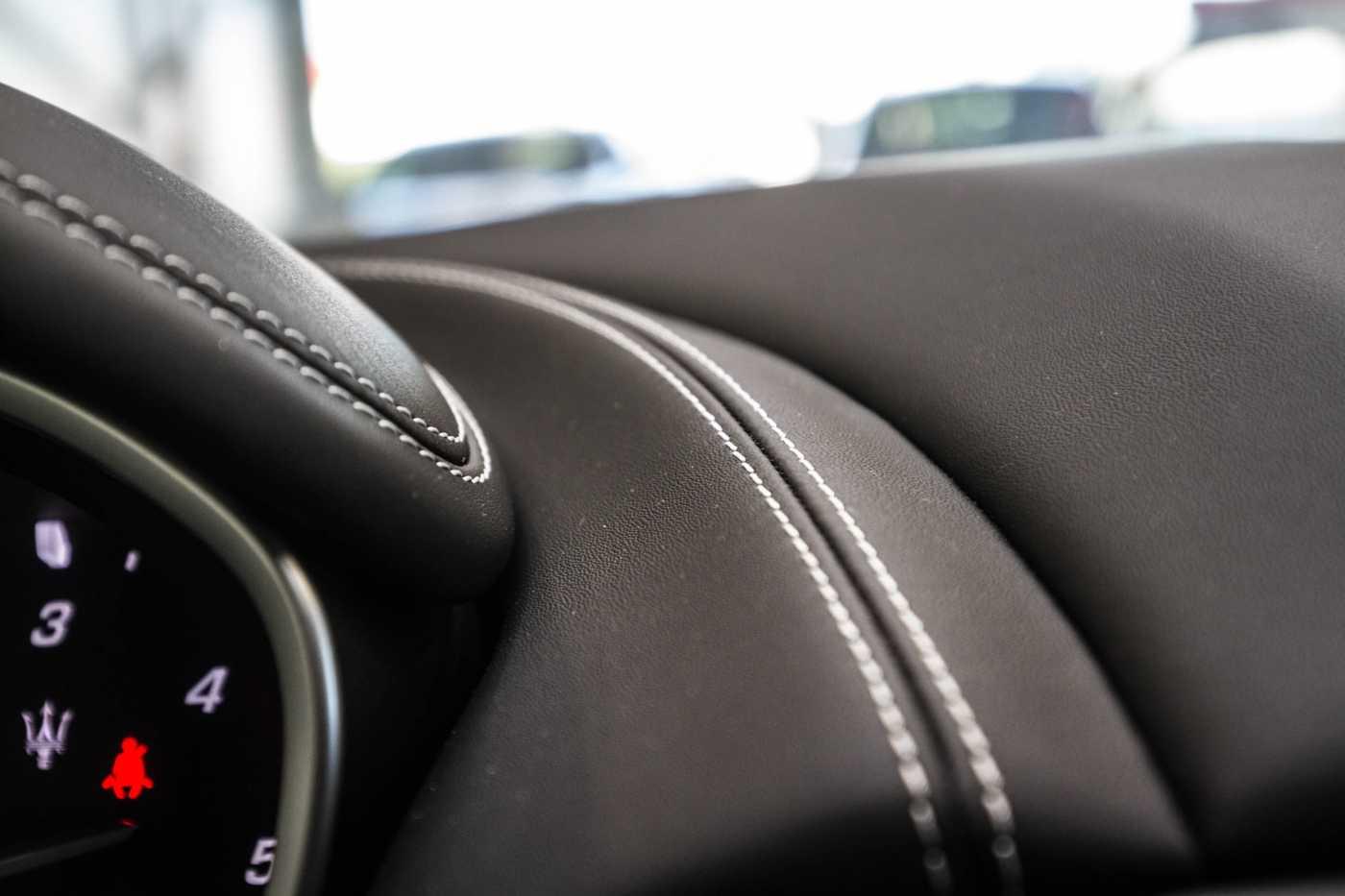 Maserati Ghibli Diesel GranLusso Keyless Sports Exhaust LED Camera 25/29