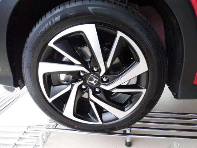 Honda HR-V 1.5i-VTEC Executive CVT LOCKDOWN DEAL - € 8526 5/6