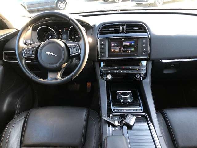 Jaguar F-Pace 2.0 D AWD Prestige 9/12