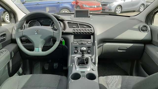 Peugeot 3008 1.6 HDi Confort Pack FAP 9/13