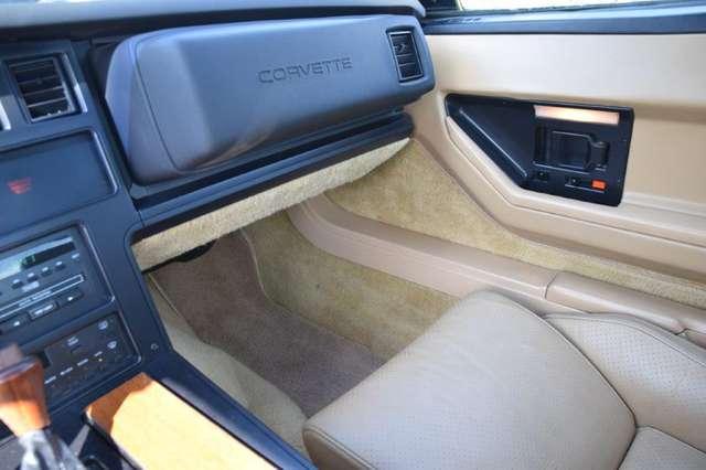 Chevrolet Corvette CORVETTE C4 T-ROOF 9/15