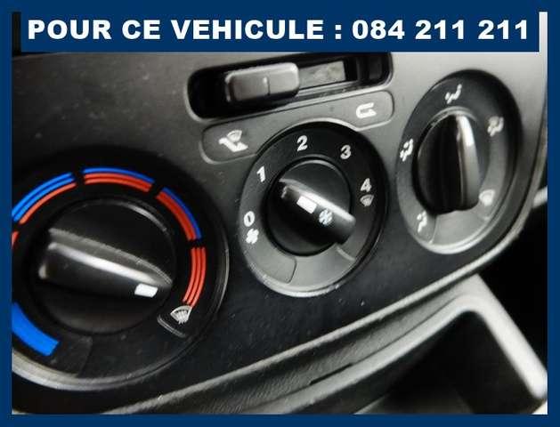 Peugeot Bipper CT+GARANTIE 1 AN : 6490 € ## UTILITAIRE AIRCO 12/12