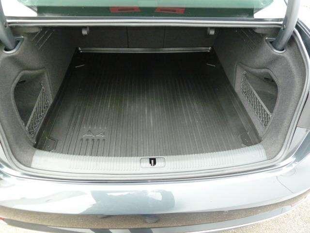 Audi A4 2.0 TDi Design SALOON 13/15