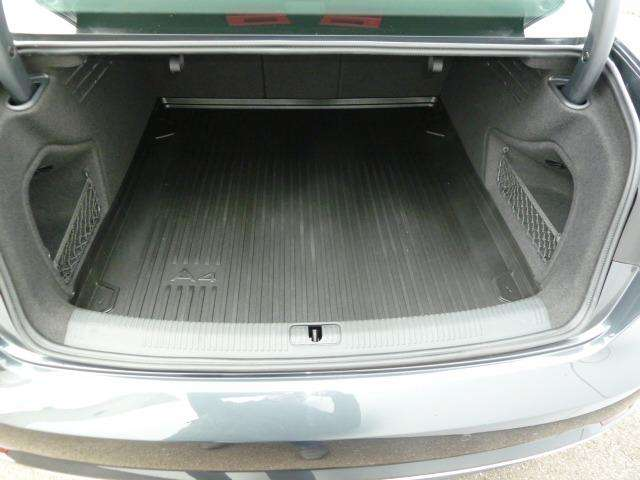 Audi A4 2.0 TDi Design SALOON 14/15