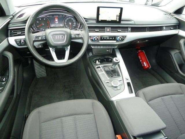 Audi A4 2.0 TDi Design SALOON 4/15