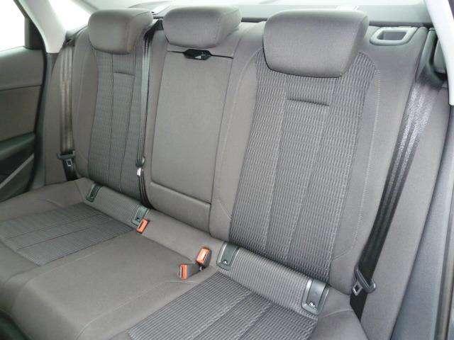 Audi A4 2.0 TDi Design SALOON 5/15