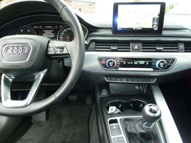 Audi A4 2.0 TDi Design SALOON 6/15