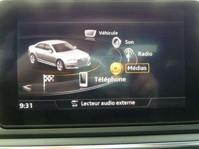 Audi A4 2.0 TDi Design SALOON 9/15