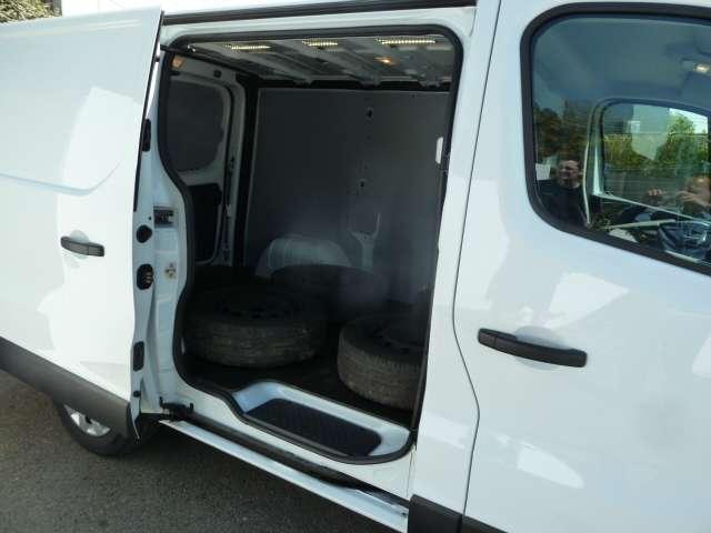 Renault Trafic 1.6 dCi 3 places utilitaire 15/21