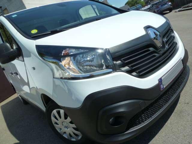 Renault Trafic 1.6 dCi 3 places utilitaire 18/21