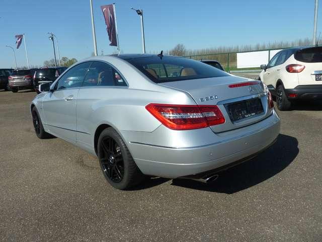 Mercedes E 250 CDI BE Avantgarde TOIT-PANO-DAK*XENON*HARMANKARDON 4/14