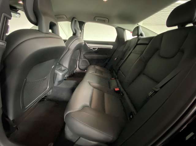 Volvo S90 2.0 T4 Momentum - velgen 20' - véél opties! 9/22