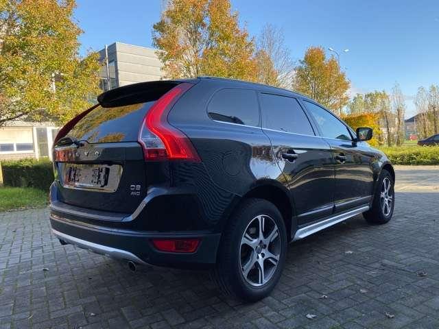 Volvo XC60 2.4 D3 AWD R-design Geartronic PANORAMIK DAK * GPS 6/15