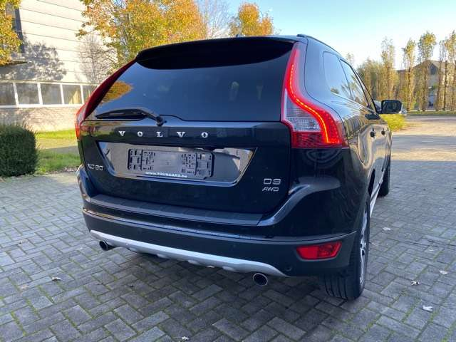Volvo XC60 2.4 D3 AWD R-design Geartronic PANORAMIK DAK * GPS 7/15