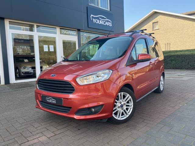 Ford Tourneo Courier *** 5 PLAATS *** CLIM *** EURO 5 1/15