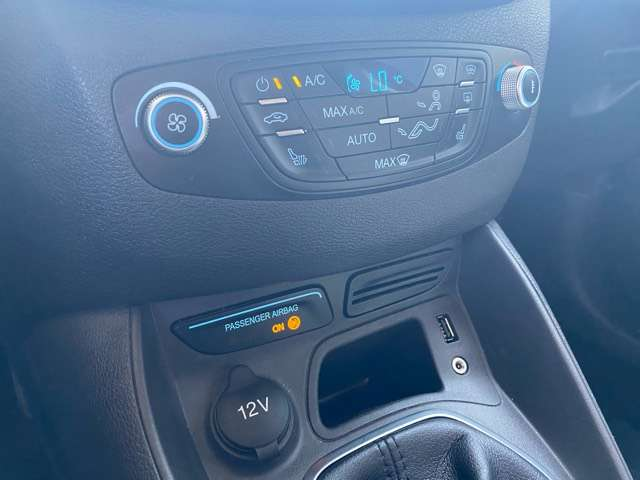 Ford Tourneo Courier *** 5 PLAATS *** CLIM *** EURO 5 14/15