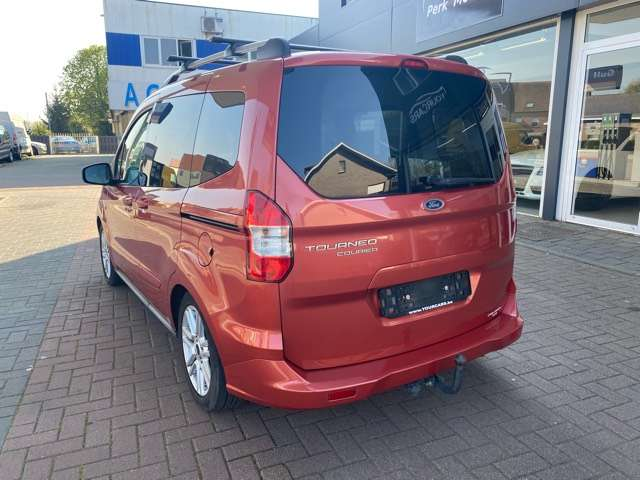 Ford Tourneo Courier *** 5 PLAATS *** CLIM *** EURO 5 8/15
