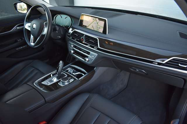 BMW 730 Saloon D M-Pack - 2018 - SUNROOF 13/20