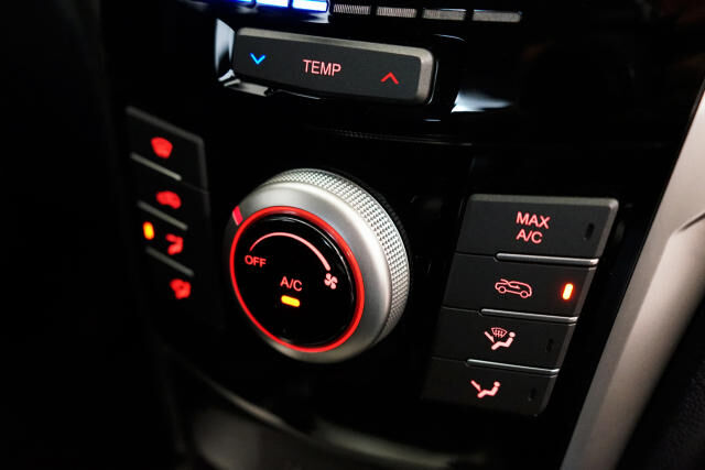 SsangYong Tivoli 1.6i e-XGi 2WD Quartz 19/27