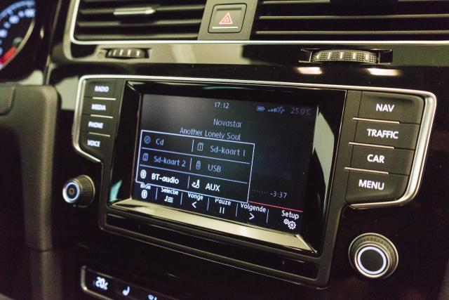 Volkswagen Golf Mark 1 1.2 TSI Cup // Navi, Sensoren, Bluetooth 14/30