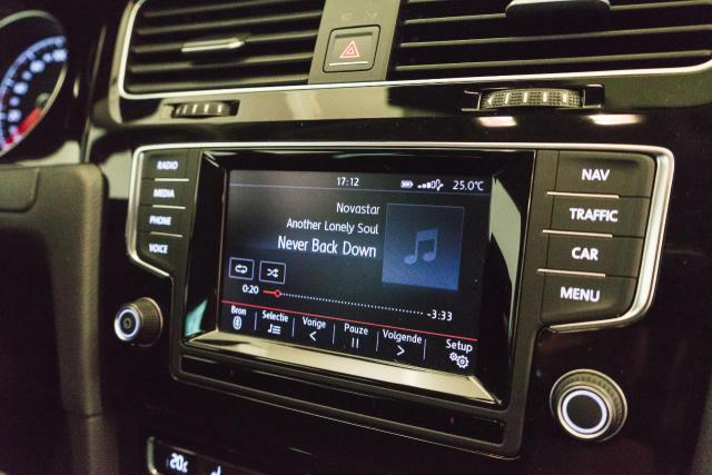 Volkswagen Golf Mark 1 1.2 TSI Cup // Navi, Sensoren, Bluetooth 15/30